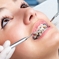 Oothodontist at Nick Romanides Orthodontics